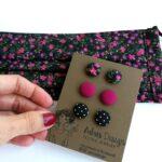 Fekete alapon virágmintás és pink kétrétegű szájmaszk 2 db + MINI textilékszer szett egységcsomag