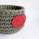 Piros alapon apró virágos Maxi textilfülbevaló