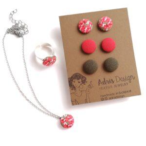 Színes virágos ékszerszett Mini vagy Micro fülbevaló, nyaklánc és gyűrű – rókavörös