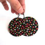 Fekete alapon színes apró virágos Maxi textilfülbevaló